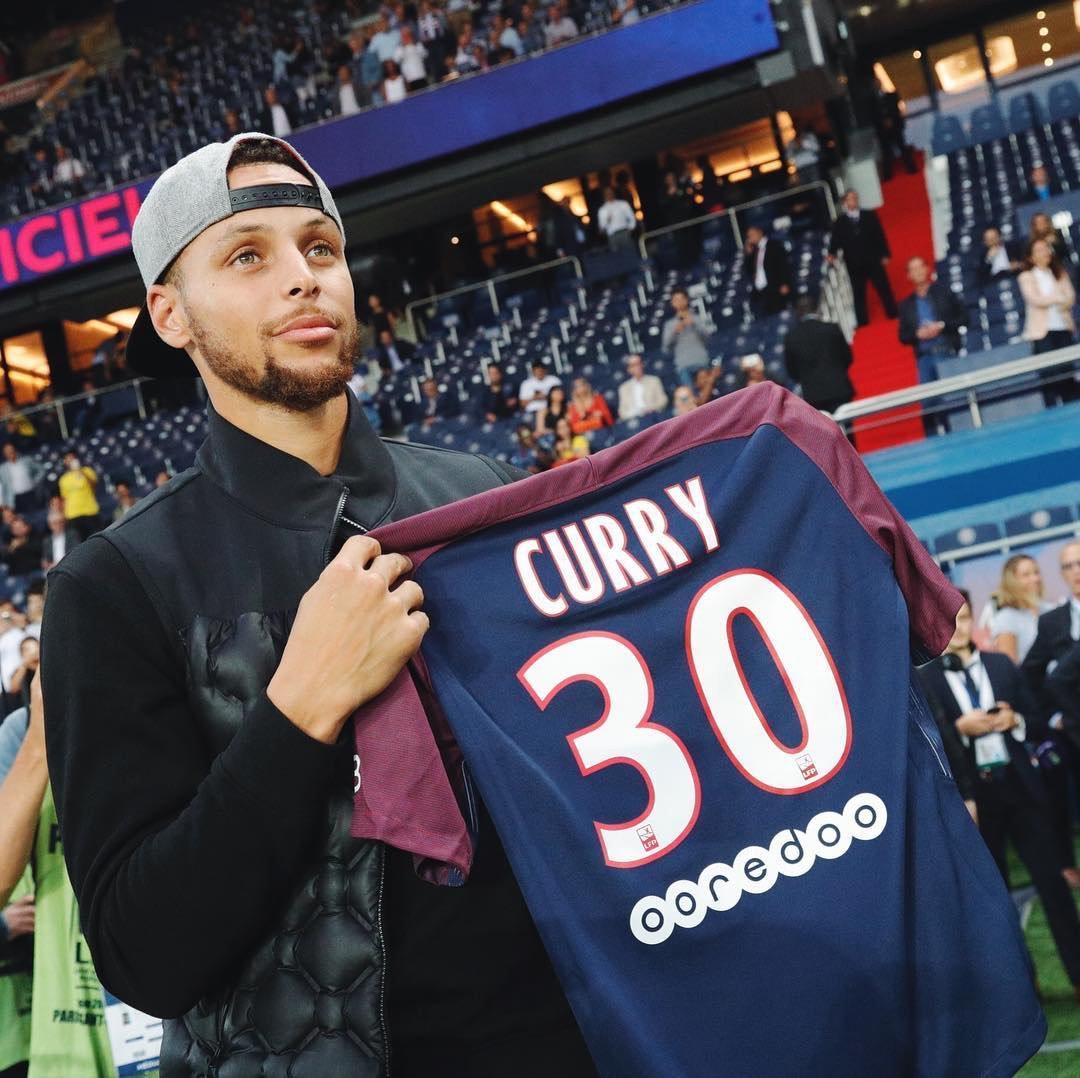 Lucas Moura Lucasmoura7: EN IMAGES. Lucas Et Neymar Ont Adoré Voir Stephen Curry Au